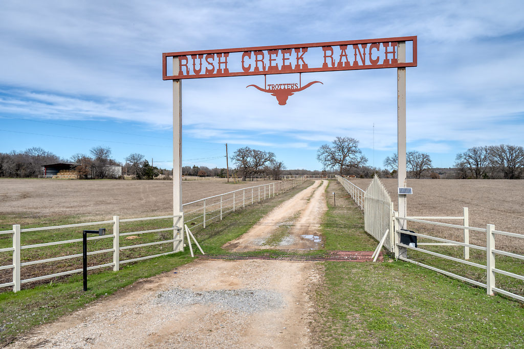 rush creek ranch decatur texas entrance